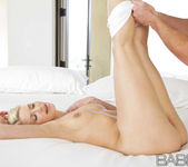 Shapely Curves - Anikka Albrite And Justin Magnum 24