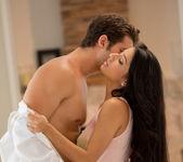 Abrasador - Megan Salinas And Giovanni Francesco 23