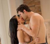 Abrasador - Megan Salinas And Giovanni Francesco 25