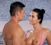 Surf & Turf - Mia Manarote, Sabby 29