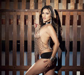 Sunny Unchained - Sunny Leone 12