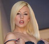 Rosy Flirt - Jessie Volt 16