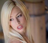 Rosy Flirt - Jessie Volt 22