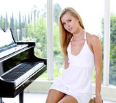 The Piano Lesson - Jessie Rogers 15