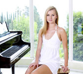 The Piano Lesson - Jessie Rogers 16