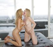 Pink Glass - Molly Bennett, Katie Kay 25