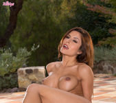 Danni Gee Strips Off And Rolls Around In Front Of Our Eyes 8