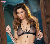 Jamie Lynn Strips Down And Shows Off Her Big Breasts 5