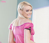 Zoey Paige Shares Her Most Sensual Solo Action 3
