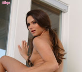Aspen Rae Gently Touches Her Pussy Lips Before Fucking 11