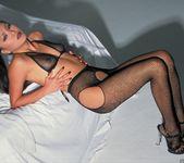 Sabrine Maui Shows Us Her Bedroom 14