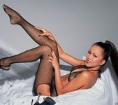 Sabrine Maui Shows Us Her Bedroom 15