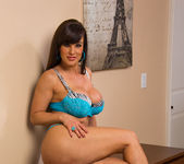 Lisa Ann - My Dad's Hot Girlfriend 5