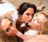 Ava Addams, Brandi Love, Julia Ann - My Friend's Hot Mom 19