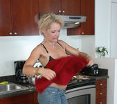 Kelly Leigh - My Friend's Hot Mom 4