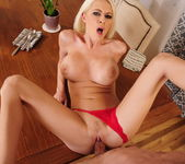 Riley Evans - Housewife 1 on 1 17