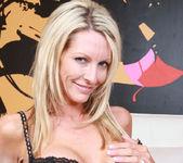 Mrs. Starr - My Friend's Hot Mom 2