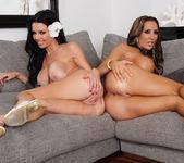 Richelle Ryan, Veronica Avluv - 2 Chicks Same Time 8