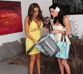 Richelle Ryan, Veronica Avluv - 2 Chicks Same Time 14