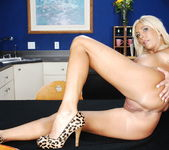 Misty Vonage - My Friend's Hot Mom 9