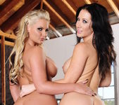Jayden Jaymes, Phoenix Marie - 2 Chicks Same Time 4