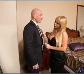 Nikki Benz - My Dad's Hot Girlfriend 9