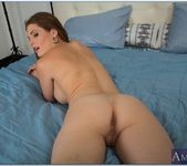 Allison Moore - Housewife 1 on 1 12