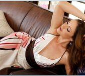 Samantha Ryan - Housewife 1 on 1 2