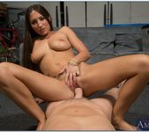 Lizz Tayler - Housewife 1 on 1 22