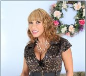 Ava Devine - My Friend's Hot Mom 2