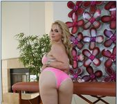 Sarah Vandella - My Naughty Massage 9