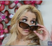 Sarah Vandella - My Naughty Massage 14