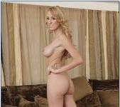 Brett Rossi, Taylor Vixen - My Friends Hot Girl 6