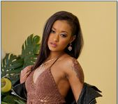 Skin Diamond - My Sister's Hot Friend 2