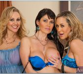 Julia Ann, Brandi Love, Eva Karera - My Friend's Hot Mom 2