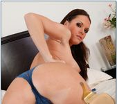 Jennifer Dark - Housewife 1 on 1 5