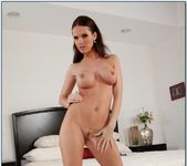 Jennifer Dark - Housewife 1 on 1 6