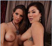 London Keyes, Rachel Roxxx - 2 Chicks Same Time 5
