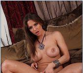 London Keyes, Rachel Roxxx - 2 Chicks Same Time 6