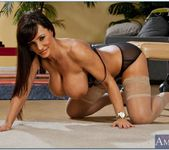 Lisa Ann - Seduced By A Cougar 7