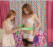 Jessie Andrews, Marie Mccray - 2 Chicks Same Time 22