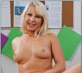 Kimmy Olsen - Naughty Bookworms 9
