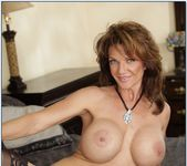 Alanah Rae, Deauxma - 2 Chicks Same Time 15