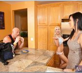Jelena Jensen, Sammie Rhodes - My Dad's Hot Girlfriend 8