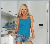 Cindi Sinderson - My Wife's Hot Friend 2