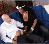Nyomi Banxxx - Seduced By A Cougar 15