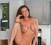Veronica Avluv - Seduced By A Cougar 9