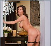 Veronica Avluv - My Friend's Hot Mom 7