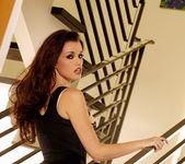 Raven Alexis - VIPArea 5