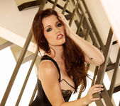 Raven Alexis - VIPArea 14